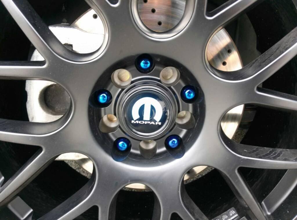 Chrysler 200 Super S Style Wheels.
