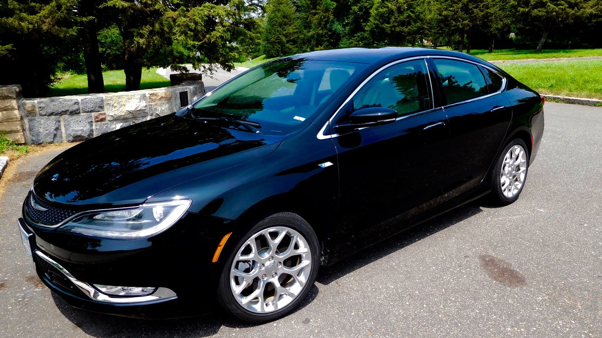 Pictures of black 2015 200c AWD