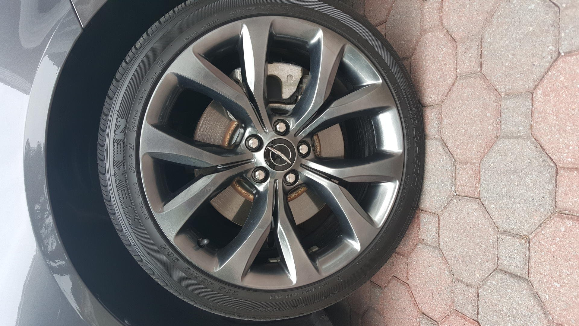 Black Chrysler 200 >> FOR SALE: 19in 200S rims/tires (powder coated graphite)
