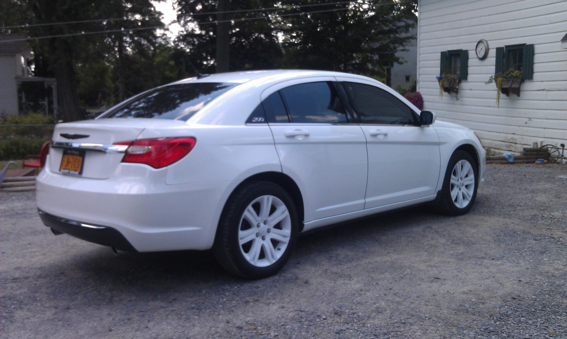 2012 Chrysler 200 Grill >> plasti dip wheels white?