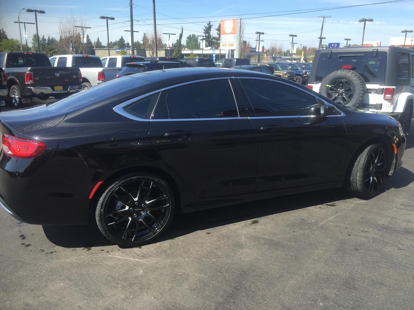 "Chrysler 200 Limited >> Wheel fitment issue (20"" aftermarket wheels)"