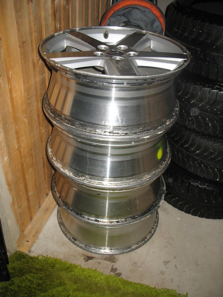 "Chrysler 200 Limited >> Set of Four 18"" Aluminum Rims … $300 2012 - 2014 200"