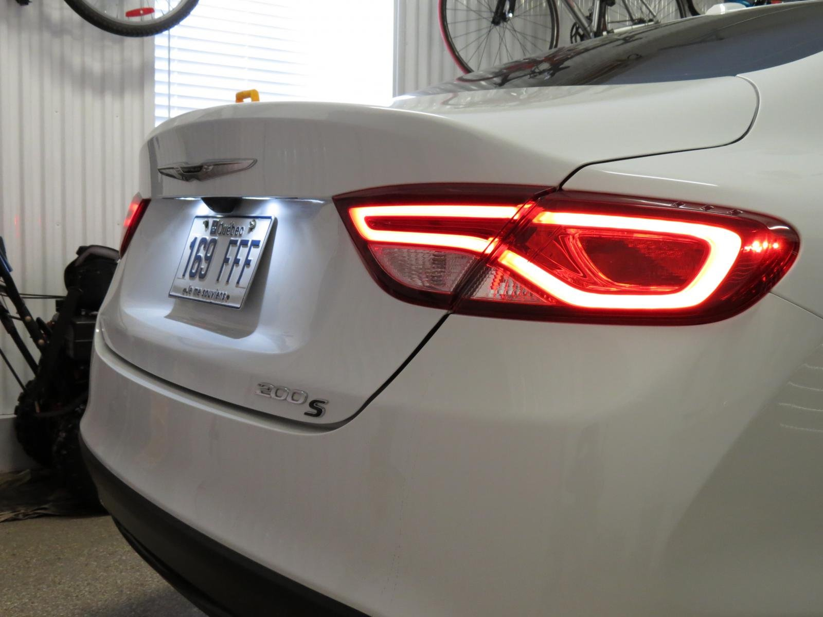 Chrysler 200: Replacement Bulbs