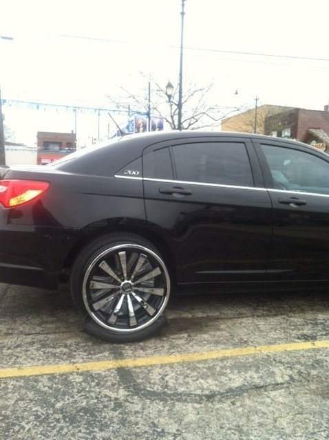 20 Rims or 22 Rims on a 200