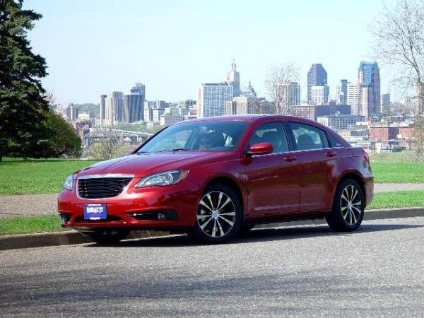 Showcase cover image for RapidTransit's 2012 Chrysler 200 S